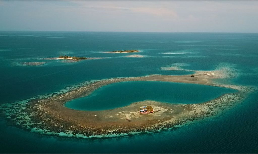 private island in Belize, Bird Island Atoll