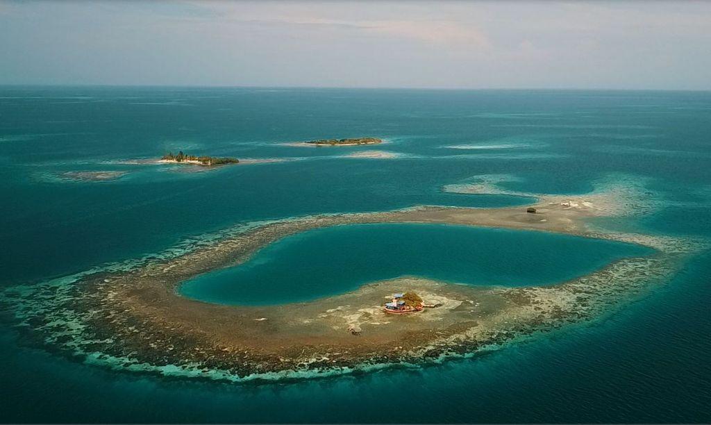 private island in Belize, Bird Island Atoll