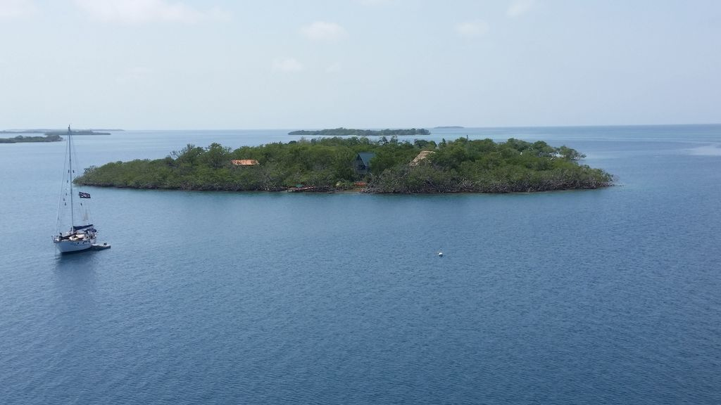 Belize private island rental: Hideaway Caye