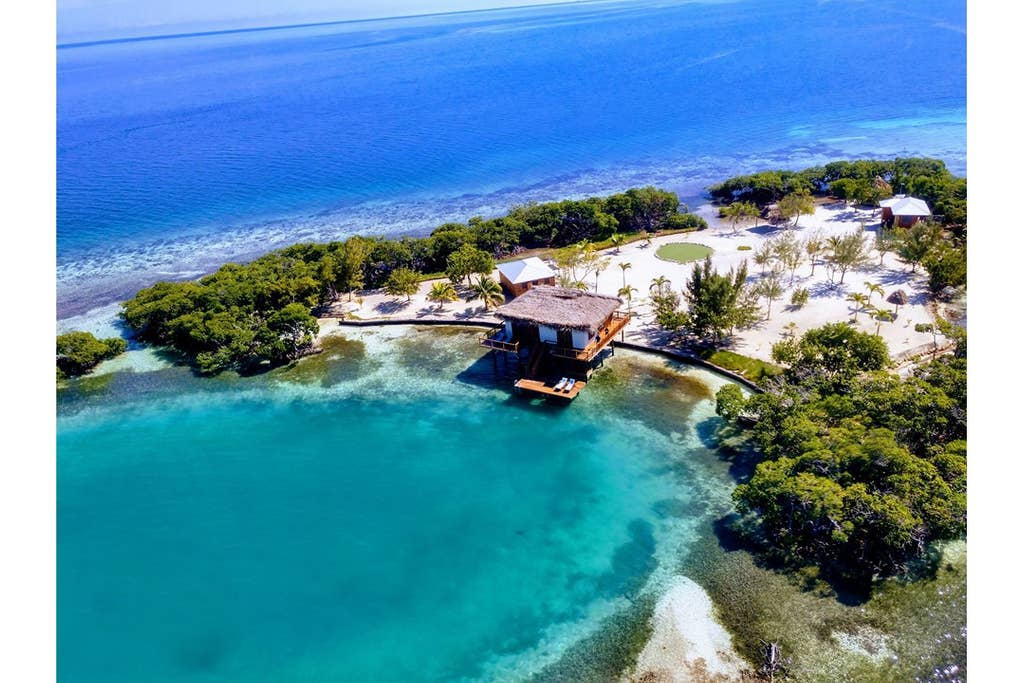 overwater bungalows Belize