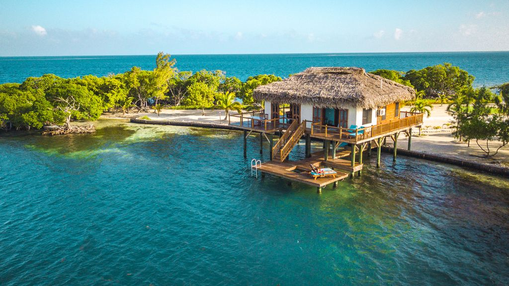 Little Peter Oasis, overwater bungalows belize