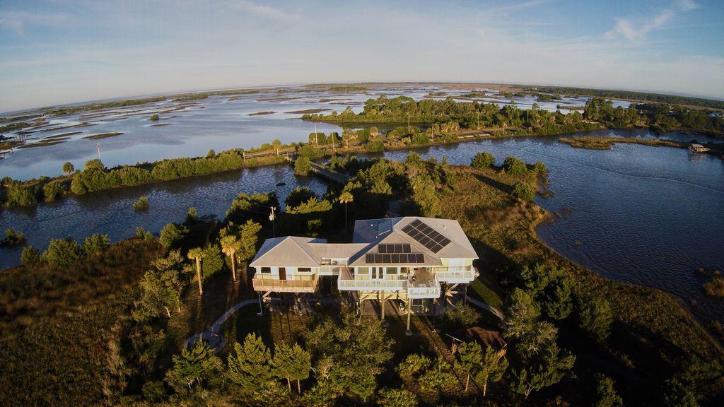 Florida island rentals, Cedar Key