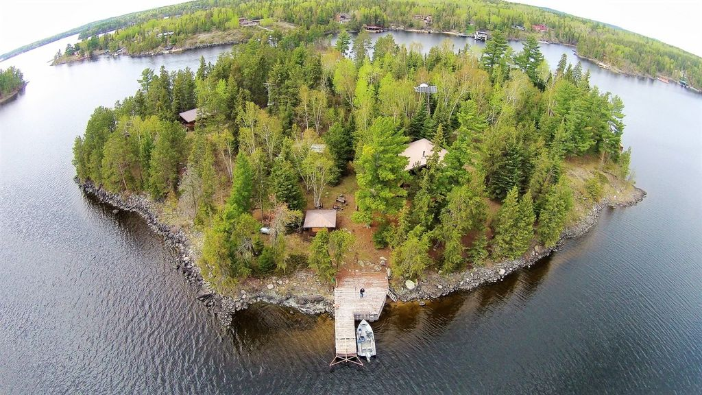 Lake of the Woods rental private island