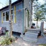 airbnb private island in Maine