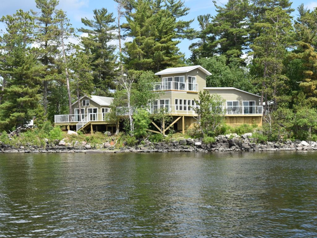 Sunset Island, Lake of the Woods private island rental