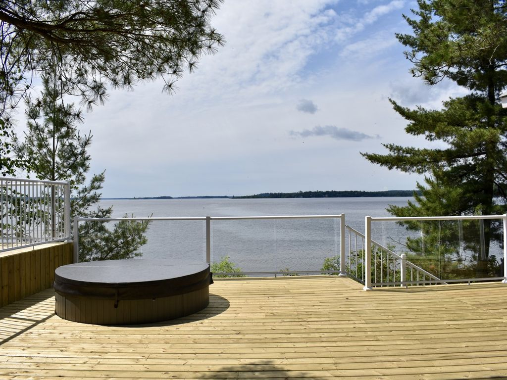lake of the woods resorts on private islands