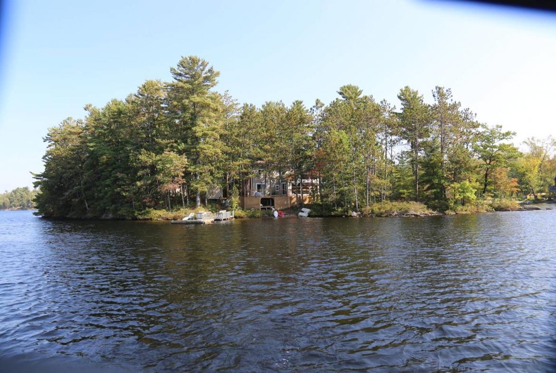 Ontario private island rental