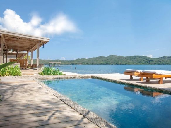 Honduras private island rental
