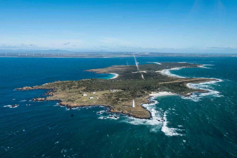 Tasmania private island rental: Swan Island